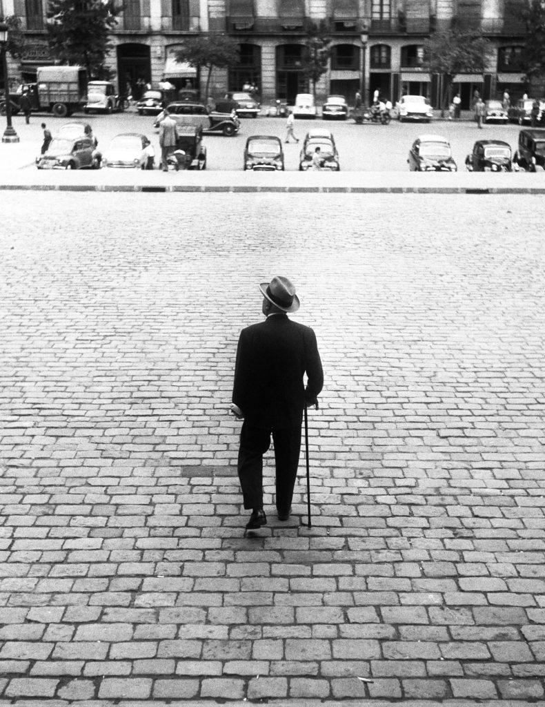 L. Pomés. Un senñor de Barcelona. 1960. PHE