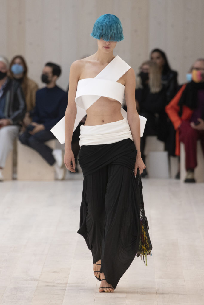 LOEWE SS22 33 FRONT