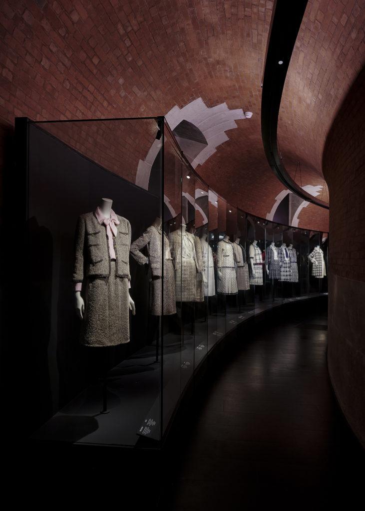 Palais Galliera Gabrielle Chanel Manifeste de mode Exhibition pictures by Olivier Saillant 5 HD 1