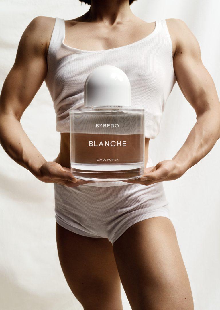 Blanche Campaña Byredo con la bailarina profesional y atleta de fitnes Rebecka