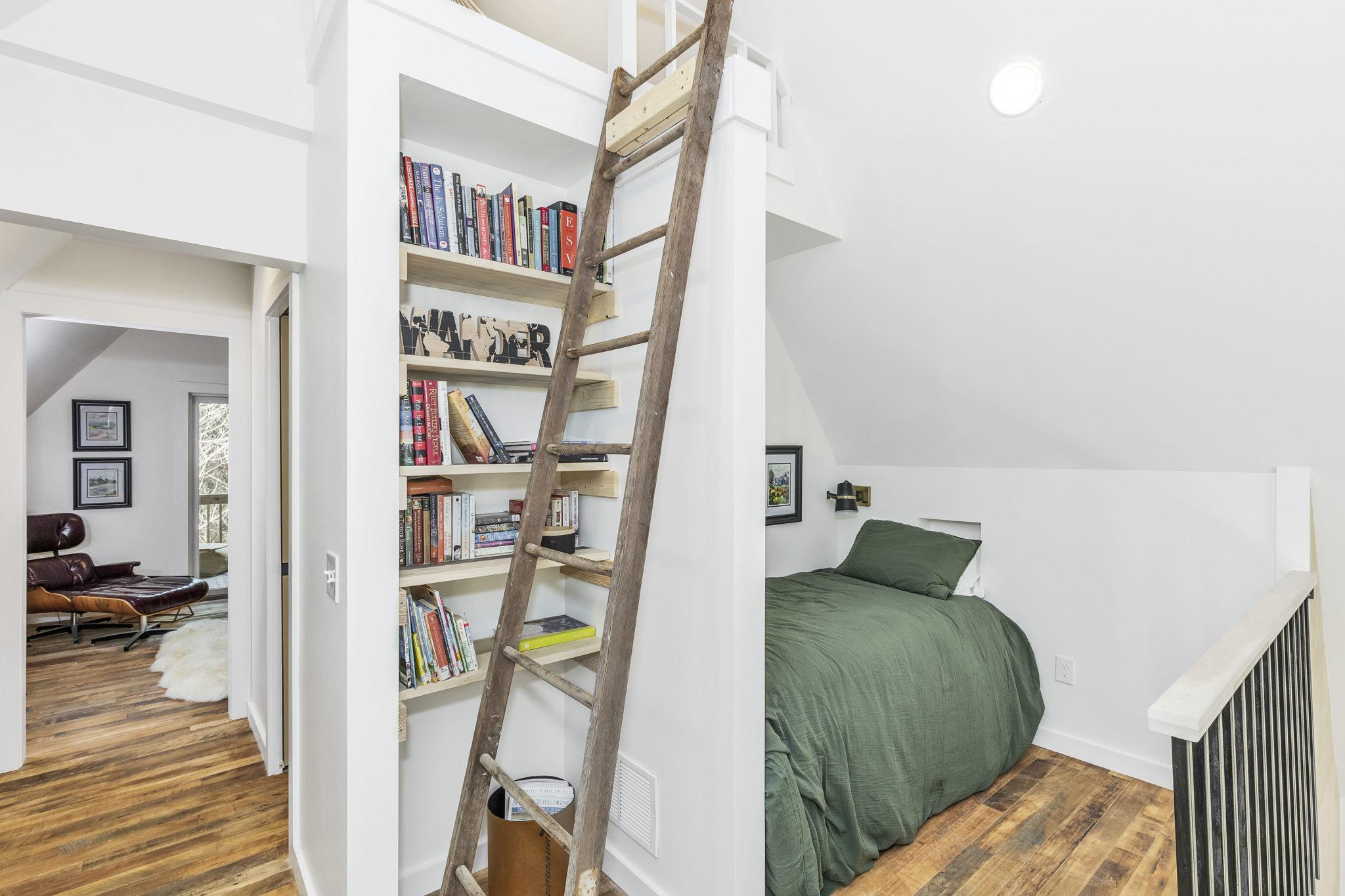 carpenters cabin libary Perch alcove bed