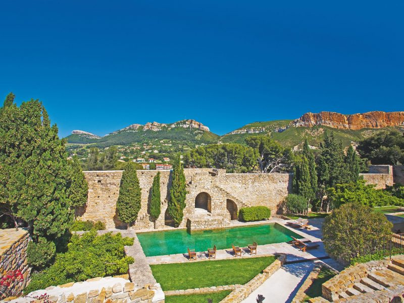 UNSPECIFIED - JANUARY 01:  The Castle Of Cassis,Guest Room .  (Photo by Eric BERACASSAT/Gamma-Rapho via Getty Images)