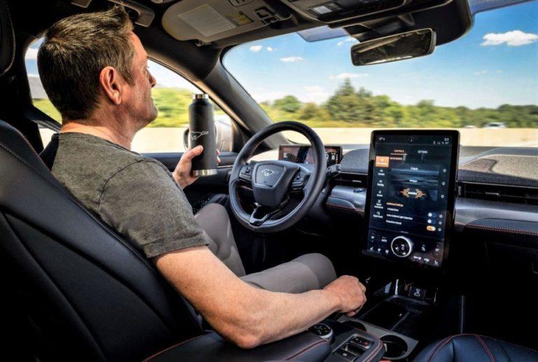 nuevo sistema de conduccion autonoma co pilot360 en el ford mustang mach e